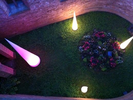 qualit ts aircon dmx lichtkegel led 2 5 bis 8 meter farbwechselnd infos kostenlos. Black Bedroom Furniture Sets. Home Design Ideas